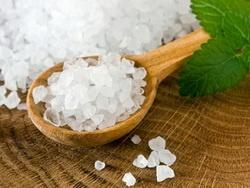 Сколько соли надо добавлять в блюда?