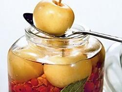 ...Как правильно мочить яблоки?