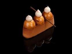 Ресторан Zuma представил в осеннем меню десерт «Трамп»