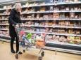 Половина российских продуктов непригодна для употребления